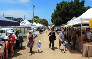 Red Hill Market crowds 2